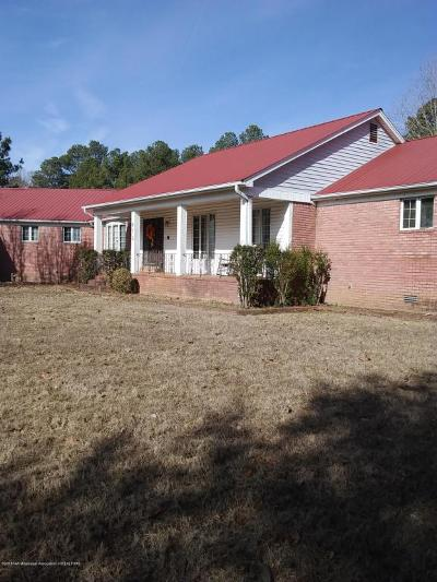 Holly Springs Single Family Home For Sale: 672 W Woodward Avenue