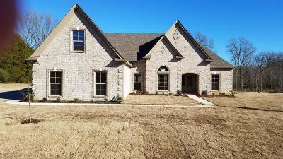 Tate County Single Family Home For Sale: 101 Oak Ridge Lakes Drive