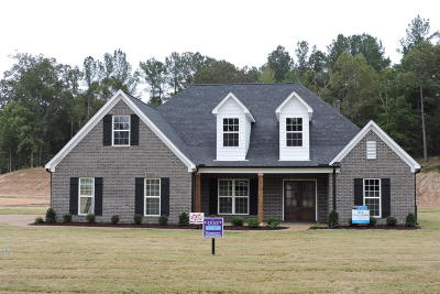 Byhalia Single Family Home For Sale: 12601 Pebble Ridge Drive