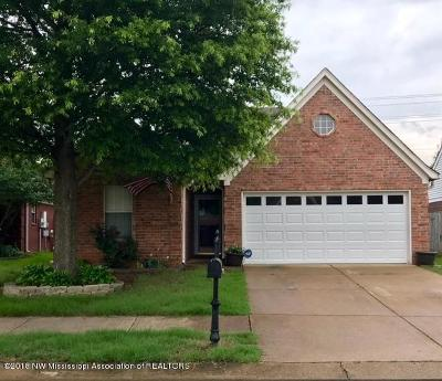 Olive Branch Single Family Home For Sale: 8522 Clubview Drive