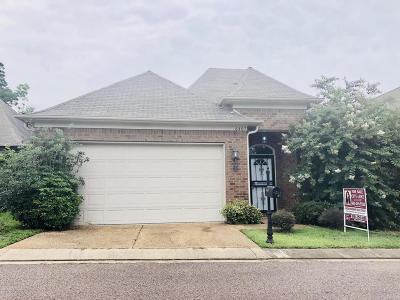 Horn Lake Single Family Home For Sale: 6407 Arbor Lakes Drive W