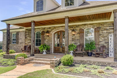 Tate County Single Family Home For Sale: 722 Golden Pond Circle