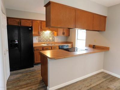 Horn Lake Single Family Home For Sale: 6425 Walnut Grove Road