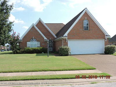 Horn Lake Single Family Home For Sale: 1631 Crossing Dr