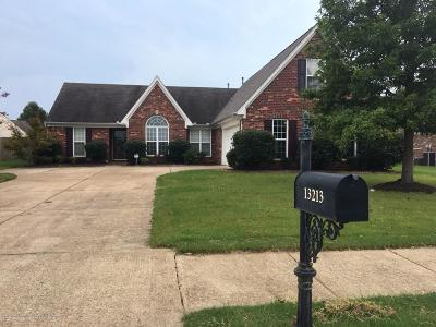 Olive Branch Single Family Home For Sale: 13213 Sandbourne Drive