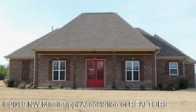 Olive Branch Single Family Home For Sale: 4543 W Sandidge Road