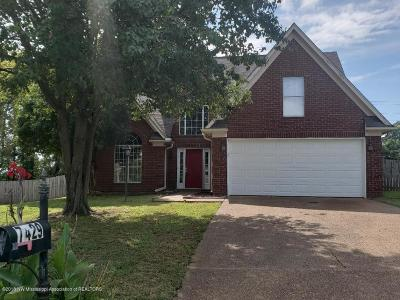 Walls Single Family Home Active/Contingent: 7429 Winston Cove