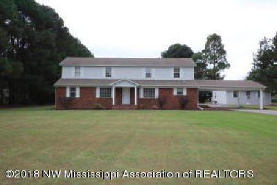 Olive Branch Single Family Home For Sale: 4135 Douglas Drive