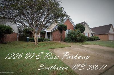 Southaven Single Family Home For Sale: 1226 W E Ross Parkway