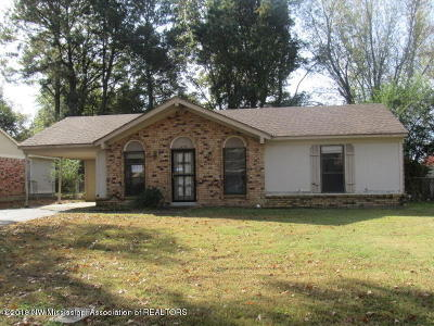 Horn Lake MS Single Family Home For Sale: $48,000