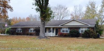 Olive Branch Single Family Home For Sale: 9450 Quail Road