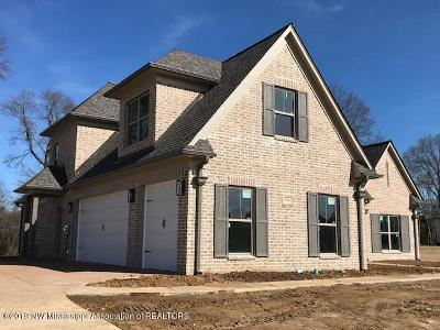 Olive Branch Single Family Home For Sale: 6918 Hawks View