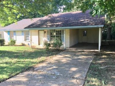 Horn Lake Single Family Home For Sale: 6560 Yorkshire Road