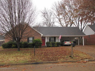 Olive Branch Single Family Home For Sale: 7062 Bluegrass Rd