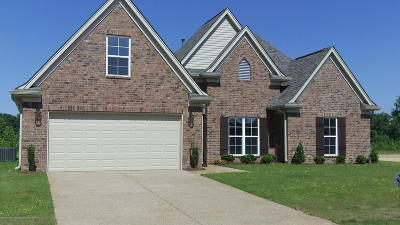 Southaven Single Family Home Active/Contingent: 3797 Hawthorn Drive