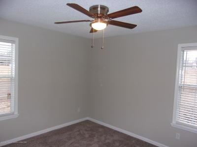 Byhalia Single Family Home For Sale: 725 Bennett Circle