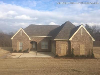 Byhalia Single Family Home For Sale: 416 W Byhalia Creek Farms Road