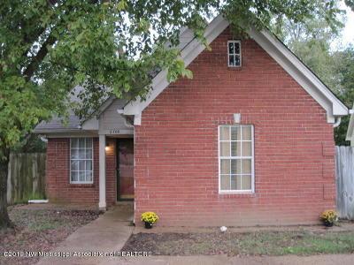 Desoto County Single Family Home For Sale: 2700 Hampden Cove