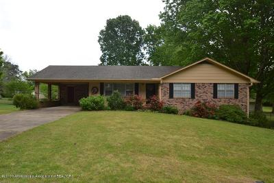 Holly Springs Single Family Home For Sale: 455 Bonds Drive