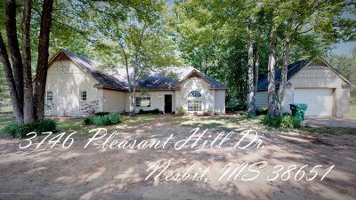 Nesbit MS Single Family Home For Sale: $189,900