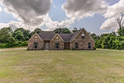 Tate County Single Family Home For Sale: 156 Oak Manor Drive