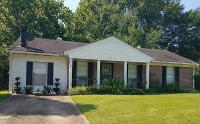 Horn Lake Single Family Home For Sale: 3145 Forest Glen Drive