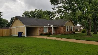 Horn Lake Single Family Home For Sale: 5701 Greeno Drive