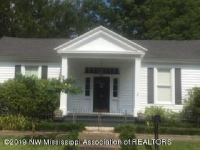 Holly Springs Single Family Home For Sale: 145 N Maury Street