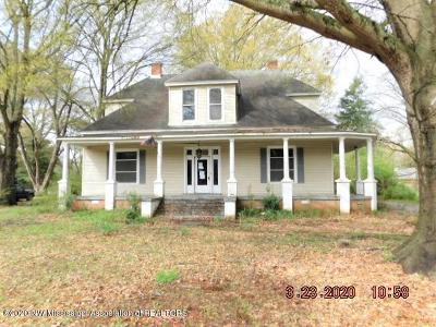 Tate County Single Family Home For Sale: 783 W Service Drive