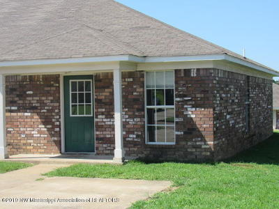 Tate County Single Family Home For Sale: 406 Bruce Street