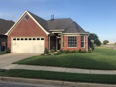 Olive Branch Single Family Home For Sale: 8334 Regal Bend Drive