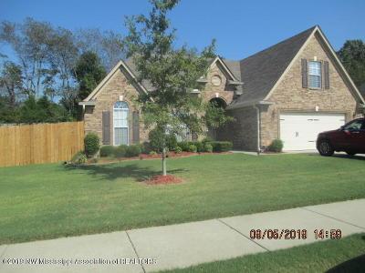 Horn Lake Single Family Home For Sale: 5906 Scott Farms Drive