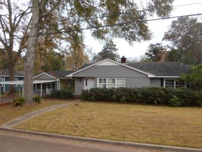 Natchez Single Family Home For Sale: 1706 Robinson St