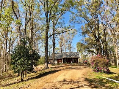 Natchez Single Family Home For Sale: 89 Robins Lake Road
