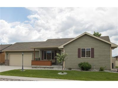 Single Family Home Sold: 1511 Glacier Peak Circle