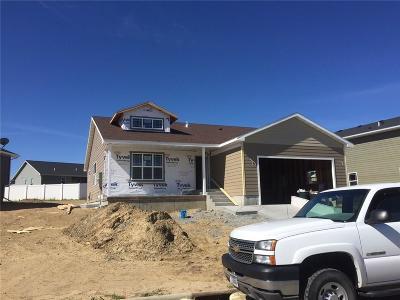 Single Family Home For Sale: 1557 Topanga