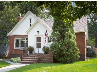 Single Family Home For Sale: 318 Clark