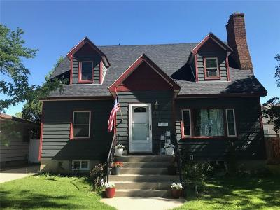 Single Family Home For Sale: 611 Avenue C