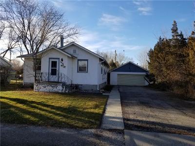 Single Family Home For Sale: 2466 Main Street