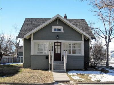 Laurel Single Family Home For Sale: 220 4th Avenue