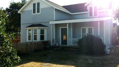Single Family Home For Sale: 314 Vaill Avenue