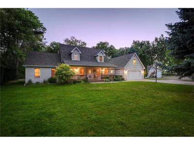 Huntley Single Family Home For Sale: 1704 N 2nd Road