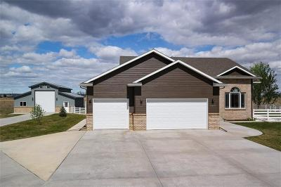 Laurel Single Family Home Contingency: 3025 Grizzly Trail