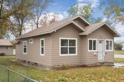 Single Family Home For Sale: 121 6th Street West