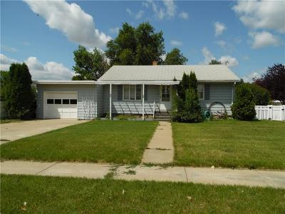 Fallon County, Roosevelt County, Wibaux County Single Family Home For Sale: 617 2nd Avenue E