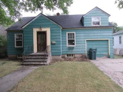 Single Family Home For Sale: 731 Miles Avenue