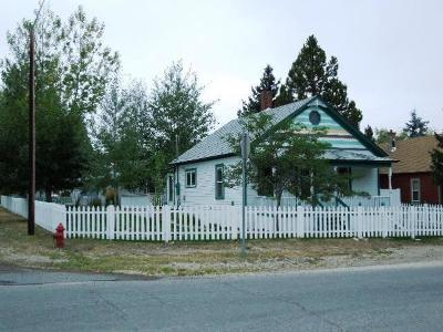Red Lodge MT Single Family Home For Sale: $237,000