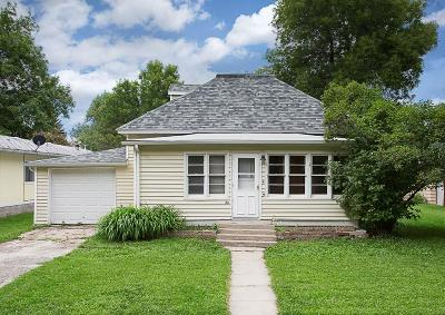 Single Family Home For Sale: 211 S 1st Street