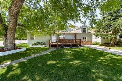 Single Family Home For Sale: 702 2nd Avenue