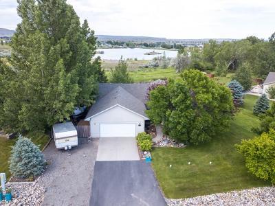 Single Family Home For Sale: 8635 Longmeadow Dr